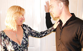 British Housewife Pulverizing The Stud Next Door