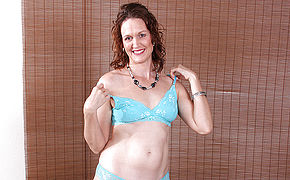 Lovely American Housewife Likes Frolicking Alone