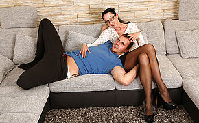 German Housewife Boinking And Deepthroating On The Couch