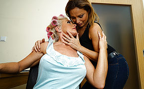 One Torrid Hairy Housewife Doing Her Girl/girl Mature Girlfriend