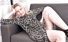 Wild British Housewife Getting Moist And Super-naughty On Her Bed