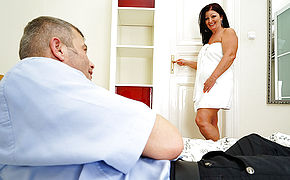 Super-naughty Housewife Porking And Deepthroating Her Boy
