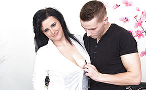 Insane Housewife Porking And Fellating Her Younger Lover