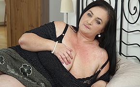 Super-naughty Housewife Flashes Gigantic Globes While Deep Throating And Poking