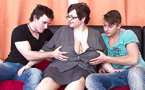 Meaty Boobed Plus-size Pounding Two Plaything Studs At Once