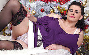 Kinky Housewife Milking Under The Christmas Tree