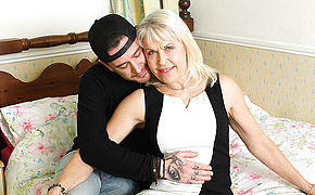 This British Mature Gal Enjoys Boning And Gargling Her Hired Help