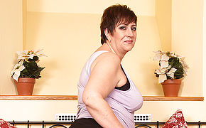 This Ultra-kinky Mature Plumper Luvs To Have Joy Alone