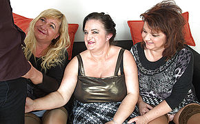 Three Chubbu Mature Cocksluts Boinking One Lucky Stud