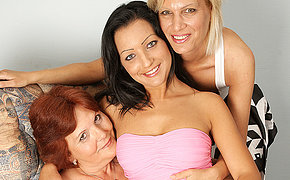 3 Mixed Age Lesbians Want To Get Tucked