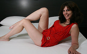 Horny Cougar Likes Her Plaything And Flashes Her Astounding Fuck-a-thon Skills