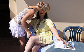 Vicious Gal With Blonde Hair Romping An Old Huge Girl/girl