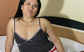 Super-naughty Elderly Lady Anna Loves Toying With Herself