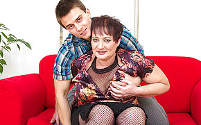 Lush Mature Lady Poked By Her Plaything Dude