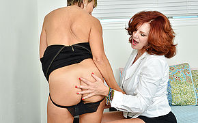 Two Naughty Housewives Go Full Lesbian At Home