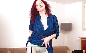 Naughty Red Mature Zinnia Blue Loves To Play With Herself