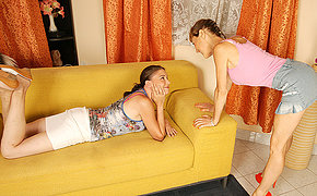 Stunning Mature And Teen Lesbians Get Pummeled And Plumbed