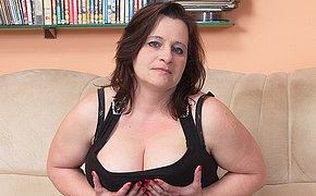 Hefty Boobed Wife Lovin' A Thick Guy Meat