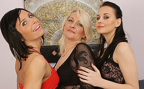 Trio Mature And Nubile Lezzies Making It Cock-squeezing And Horny