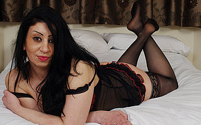 Uber-sexy British Mom Getting Unclothed And Stellar