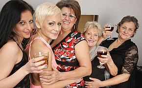 Five Fabulous Mature And Teenage Lesbos Make It Xxx For Christmas