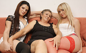 Trio Dirty Mature And Teenager Lezzies Do It On The Couch