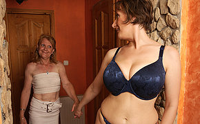 Two Wonderful Cougar Lesbians Drilling And Then Kissing
