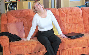 Xxx German Fuckslut Fingering On The Sofa