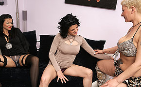 Trio Killer Mature And Teen Lesbians Tearing Up Eachother On The Sofa