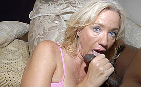 Platinum-blonde Mummy Nymph Enjoys Black Dagger