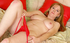 Perverse Red Aged Mega-bitch Dame Getting Off On A Romp Toy