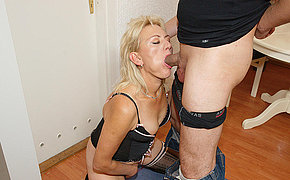 Sizzling Old Chick Enjoys A Large Dagger