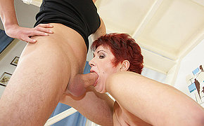 Obscene Mummy Female Gets A Heavy Ejaculation