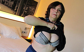 Milf Lady Likes Frolicking And Spurting