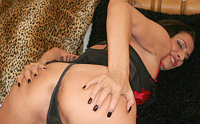 Wicked And Obscene Wife Frolicking With Her Cooter