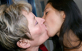 Elder And Teenage Dykes Get Indeed Uber-sexy