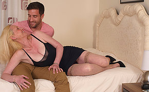 Pretty British Milf Enjoys Her Lover