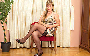 That Unclean Mature Adores To Get Herself Filthy And Ultra-kinky