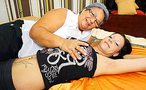 Marvelous Mature And Teenage Lezzies Munching Arses And Tonguing Poons